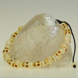Skull bracelet made of earthenware and bones