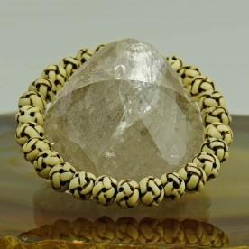 Handgeschnitzes Armband aus Knochen