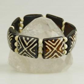 Gemustertes Armband aus Knochen